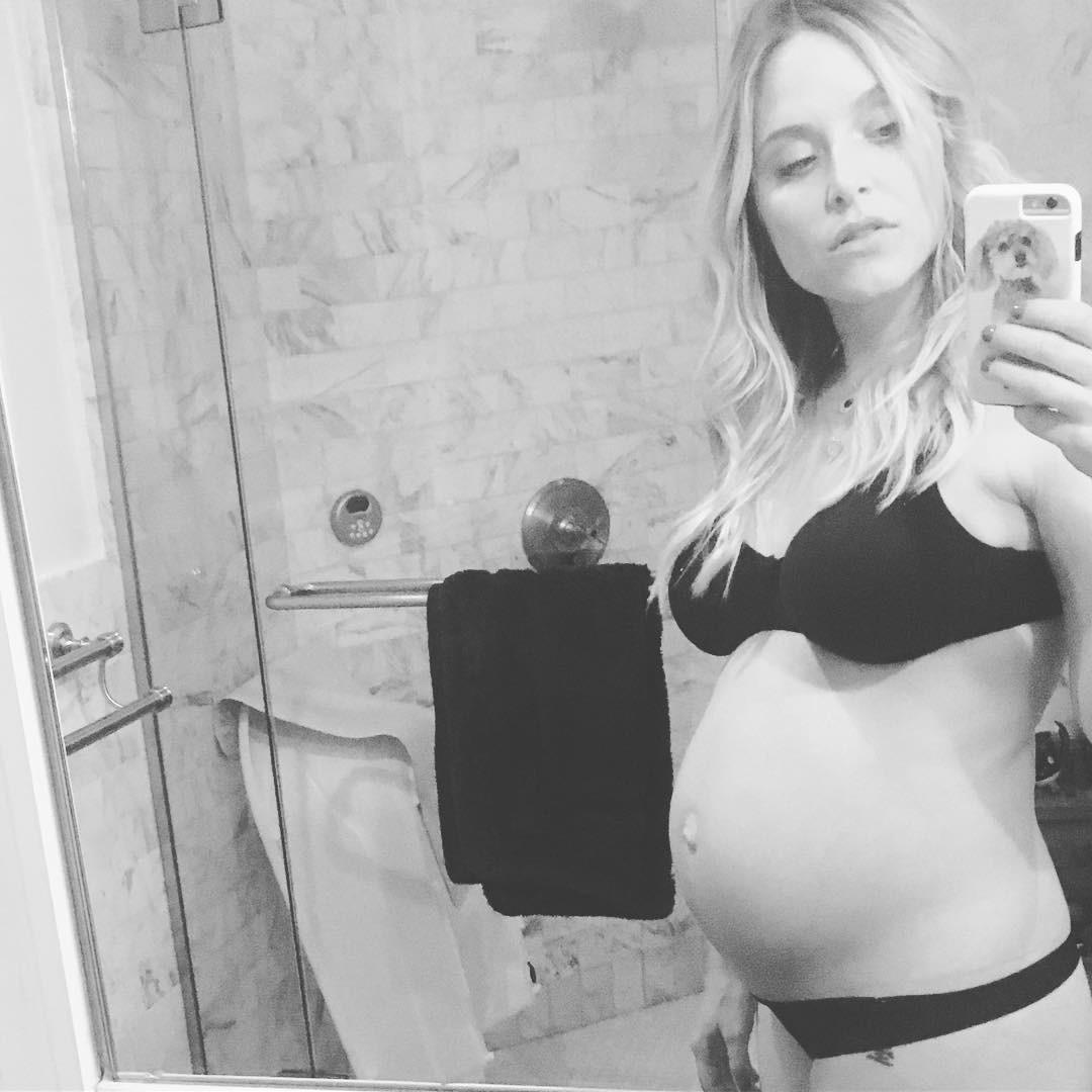Jenny Mollen Leaked Nude