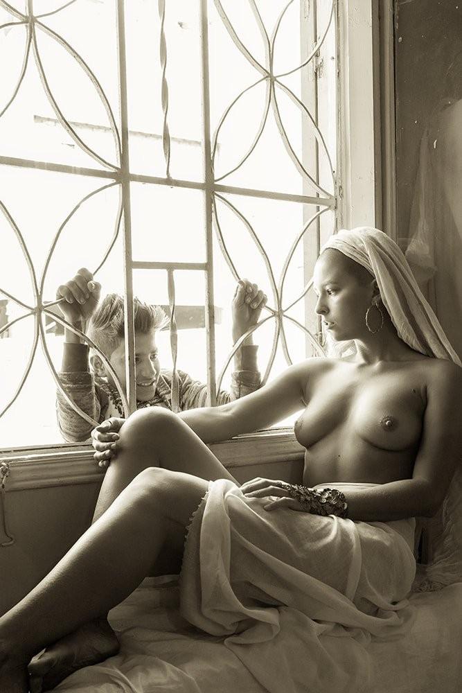 Marisa Papen Nude Desert Photo Shoot that Landed her in Jail