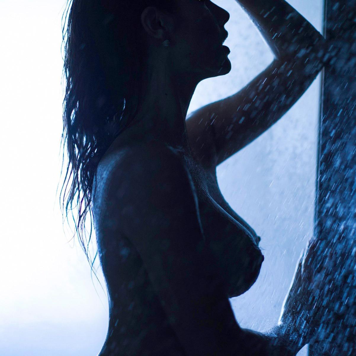 Model Amanda Cerny nude Playboy photos