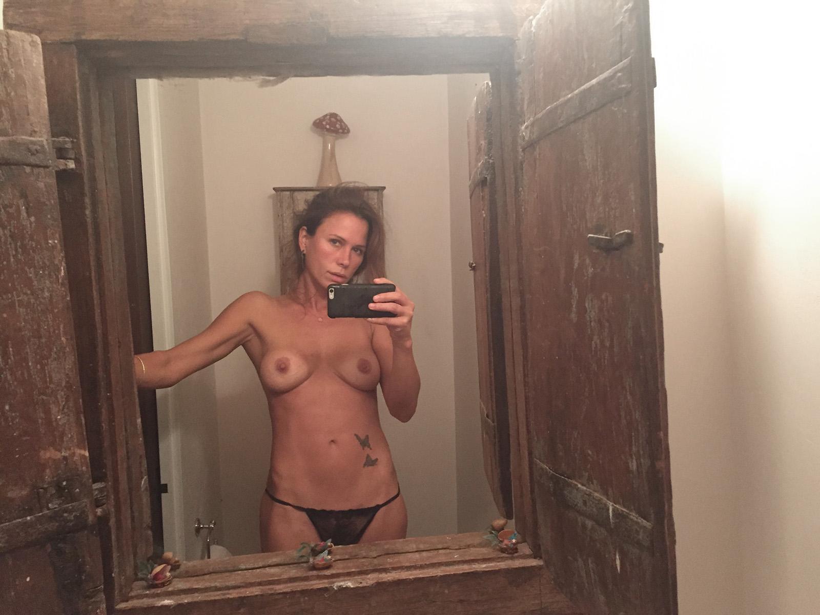 Rhona Mitra leaked nude masturbation photos The Fappening 2019